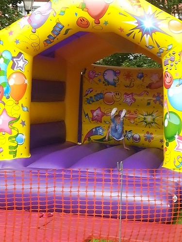 http://www.funfairsrus.co.uk/wp-content/uploads/2017/01/Bouncy-Castle.jpg