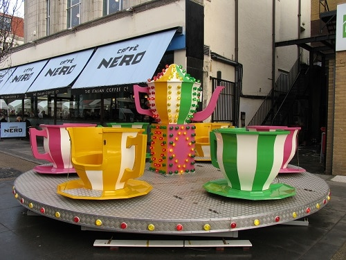 http://www.funfairsrus.co.uk/wp-content/uploads/2017/01/Teacups-1.jpg